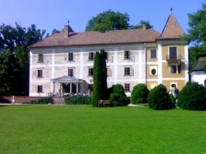 Schlosshotel Hedervar