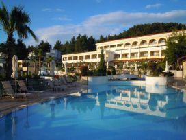 Haupthaus im 5*-Hotel Aegean Melathron
