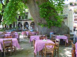 Dorfplatz in Makrinitsa