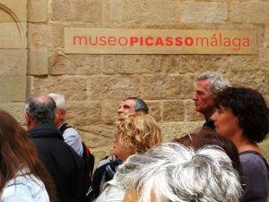 Top: Picasso-Museum im Palacio de Buenavista