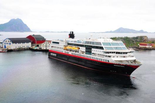 Hurtigruten-Schiff