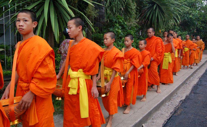 Bettelmönche Luang Prabang Laos