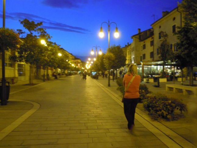 . . . und die Promenade