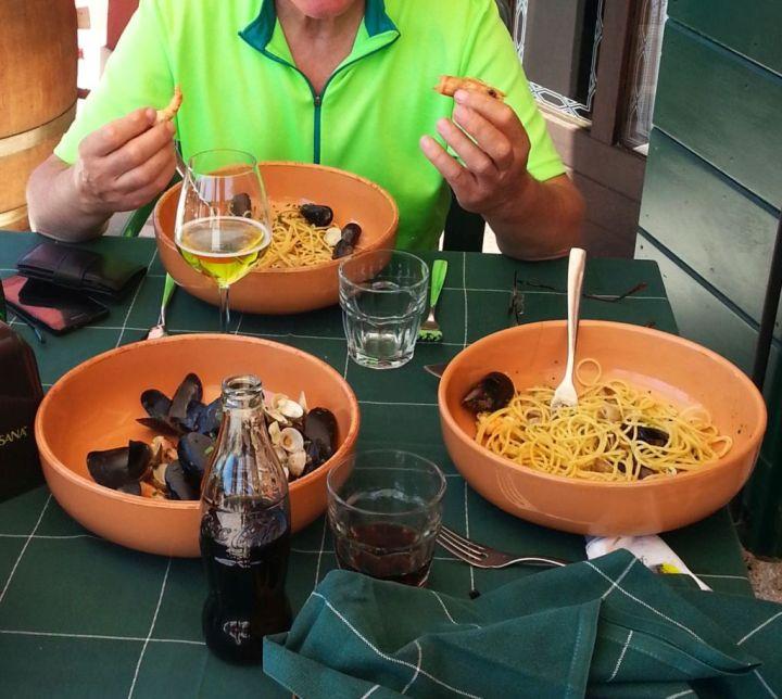 Dolce Vita: Spaghettti Vongole . . .